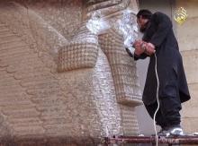 EE.UU. cómplice de crímenes de guerra saudíes y la destrucción del patrimonio Islámico y cultural de humanidad en Siria...jpg